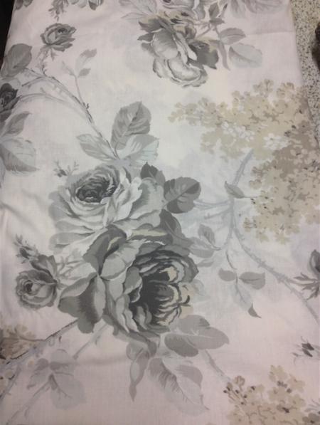 cotone 100% motivo floreale bianco e nero