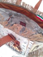 borsa personalizzata in juta  e pelle  bianca e cammello, pitturata a mano