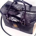 travel bag black and gold